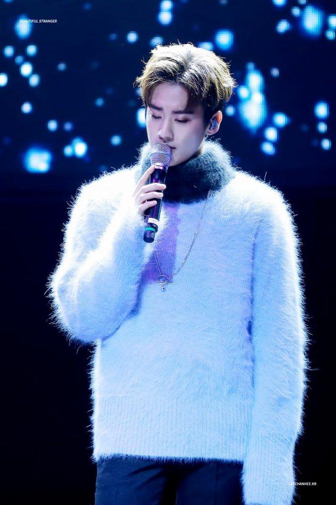 171108 Concert d'amitié K-Pop coréen au Vietnam.+180210 En solo, vous sortez - Rencontre des 6 fans de Radio FM [Angel ON AIR] de Teen Top+