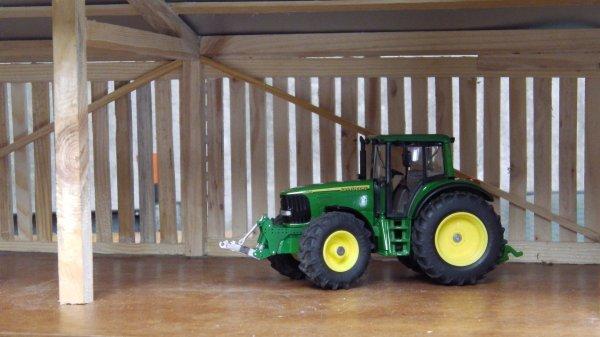John deere 6820 modifié, dans le hangar