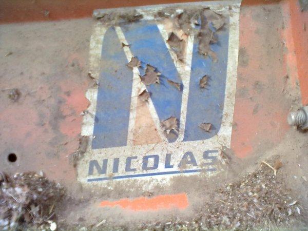 Le NH TL 90 et le broyeur Nicolas