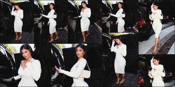 - -► 08/02/20-' : La jolie Kylie Jenner a été vue à Beverly Hills alors qu'elle se rendait à la baby-shower de - Malika Haqq.    Malika Haqq n'est une amie de la famille Kardashian/Jenner et plus précisément la meilleure amie de Khloé Kardashian. Sublime en robe blanche la Kylie. -
