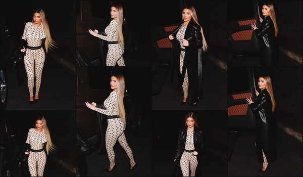 - -► 04/03/20-' : C'est dans la soirée que Kylie J s'est rendue au restaurant « Matsuhisa » qui se situe dans Beverly Hills.    Kylie s'est accordée un petit dîner au restaurant. Dans son long manteau, la it-girl a fait son effet. Malheureusement peu de clichés sont disponibles. Top. -