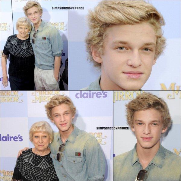 """............17/03/12 : Cody et sa Grand-Mère était à la première de """"Mirror Mirror"""". Top ou Flop ? ............"""