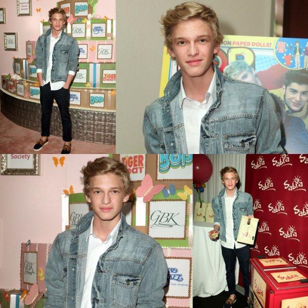 """............30/03/12 : Cody était à l'évènement """"BOP & Tiger Beats"""" avec Ashley Argota. Top ou Flop ?  ............"""