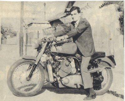 Moto a moteur de voiture ( 1966 )