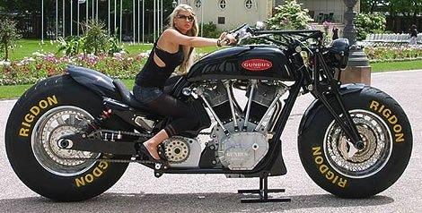 La moto des 2 J .