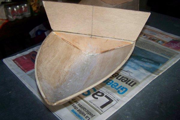 Construire un modéle réduit de bateau  .   Part 1 .