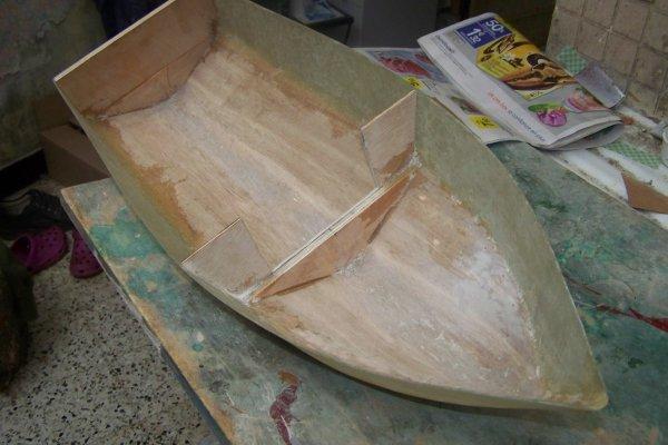 Construire un modéle réduit de bateau . Part 2 .