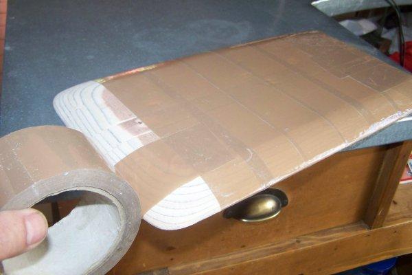 Construire un modéle réduit de bateau . Part 12 .  La casquette .