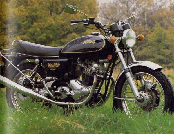 La bécane de la semaine : La Norton Commando 1967 - 68 .