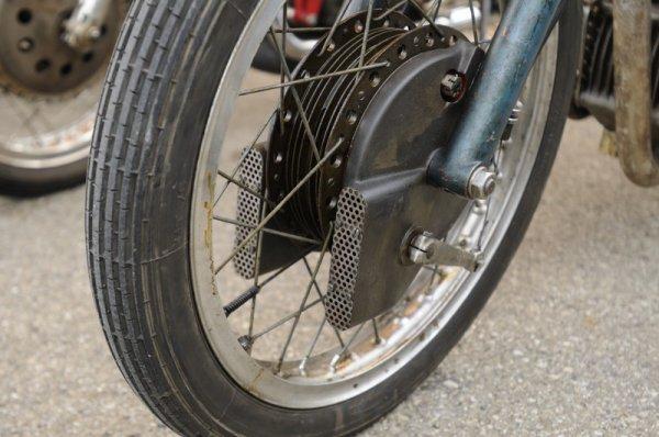 Les 250 Morini Bialbéro .