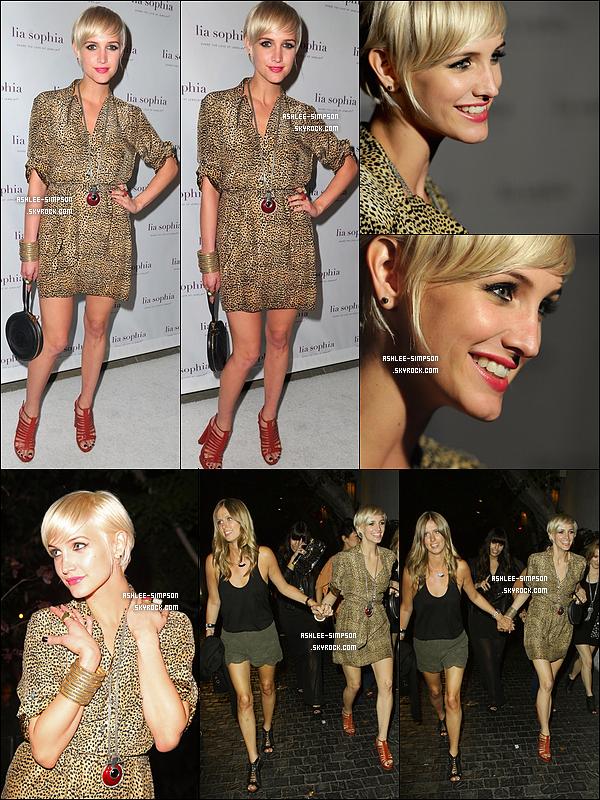 """. 26/07/11 : Ashlee était présente à l'évenement  """"Lia Sophia Jewelry Launch"""" à West Hollywood avec Nikki Hilton.   ."""