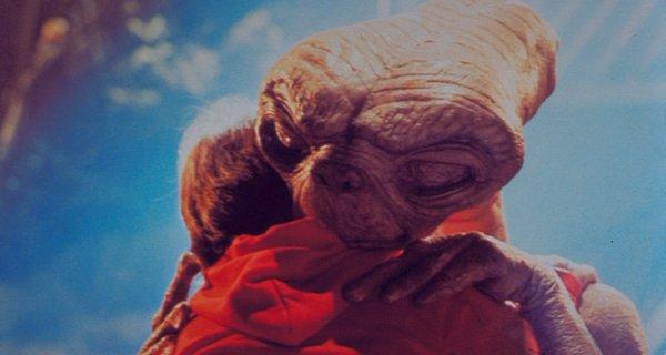 Image E.T l'extra-terrestre E.T et Elliot