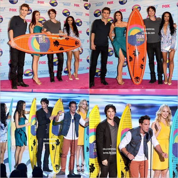 Le cast s'est rendu au Teen Choice Awards 2012, ils ont remporter 6 prix!