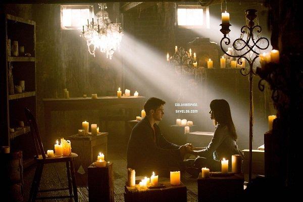 Voici le tout premier cliché de l'épisode 4x01, on peut y voir Jérémy et Bonnie.