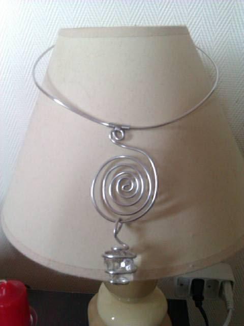 collier et pendentif argent et sa pierre précieuse 1