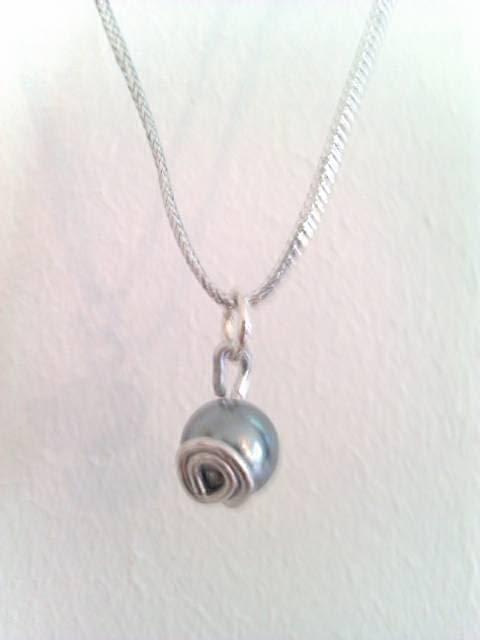 pendentif,petite perle