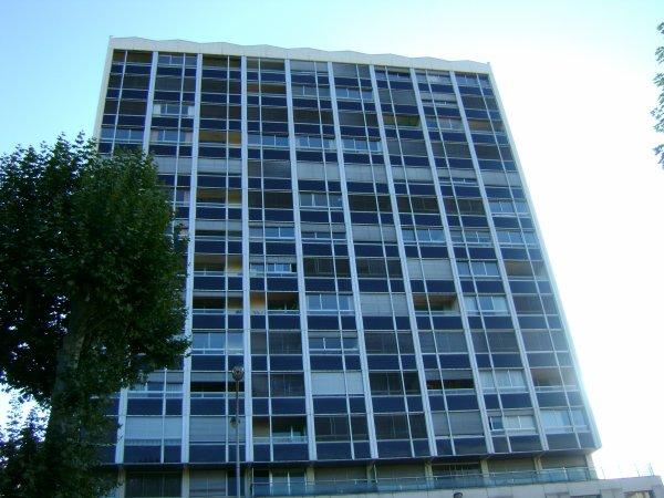 15 étages également