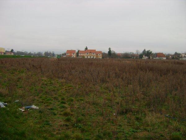 Le terrain vide du quartier du Marclet
