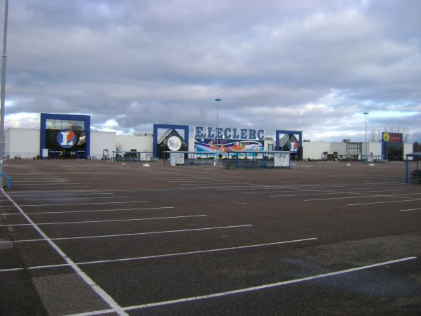 Un des centres commerciaux du Grand Roanne