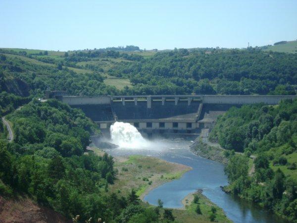 Le barrage de Villerest