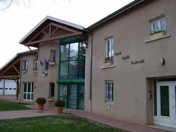 La mairie de Villerest