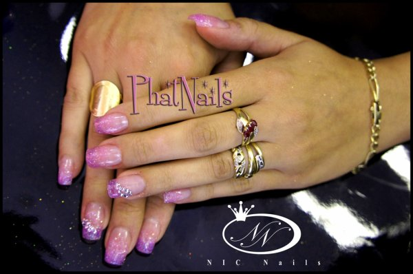 "pose gel Fairy  Dust ""Glimmer"" de Lechat nails ©"