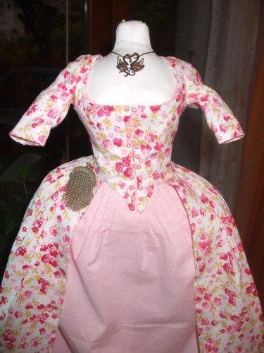 robe fleurie ou rose?