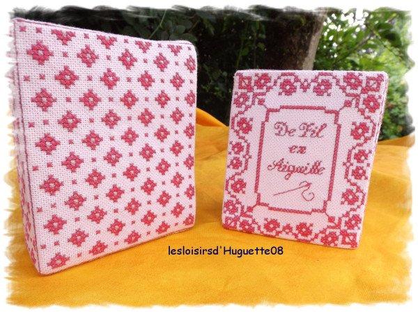 un petit livre rose