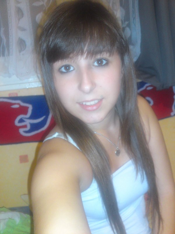 I'm Juulie. (l)