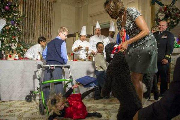 Le chien des Obama fait tomber une fillette