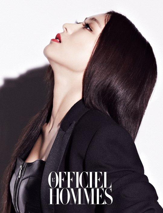 Bora (SISTAR) est resplendissante sur les photos du magazine l'officiel hommes