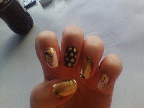 Nail art ~ Gold antique