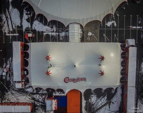 """Le cirque """"d'Hiver"""" BOUGLIONE sous la neige au Mans. Superbes photos de Romain Verstraete (cirque Bouglione)"""