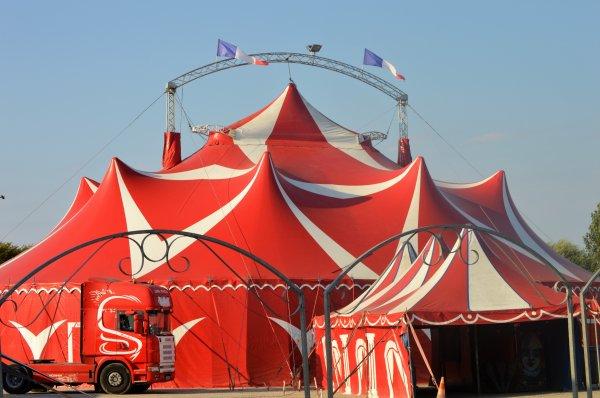 Le cirque SEBASTIEN ZAVATTA de la famille de James DOUCHET Les Sables D'Olonne 2018