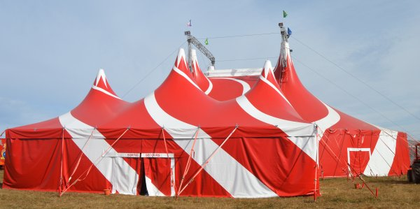 Cirque Nicolas ZAVATTA de la famille DOUCHET VERTOU(44) 2018
