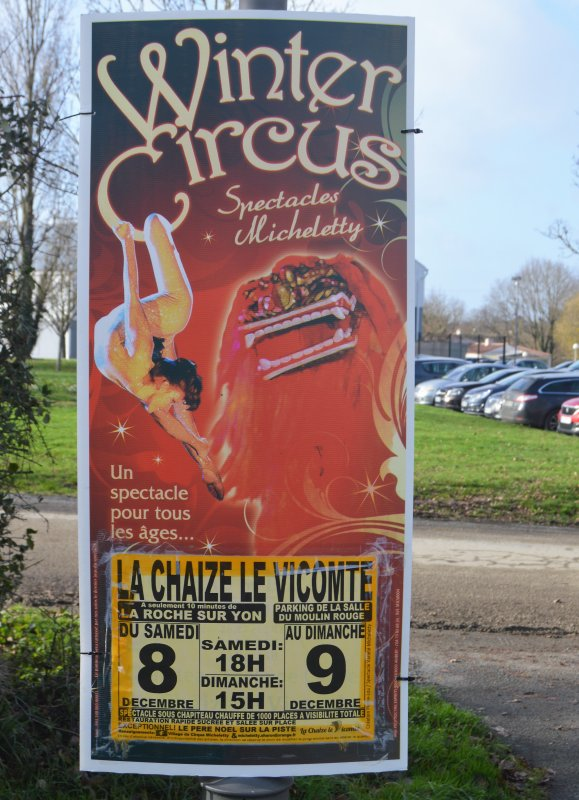 Winter circus de la famille Micheletty à LA CHAIZE LE VICONTE