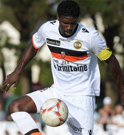 Football : Ecuele-Manga absent 6 mois