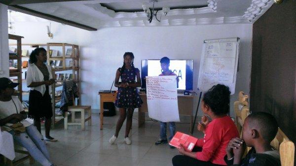 ENTREPRENEURSHIP TRAINING FOR TEENAGERS IN MORAMANGA