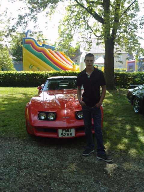 moi et ma futur voiture.....