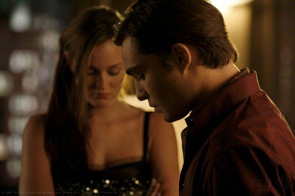 """""""Tout n'est qu'un jeu qui vient qui va... Et qui s'arrête à chaque fois. Je te jure pourtant que j'y croyais. Ils étaient si beaux nos baisers, je les regretterais."""""""