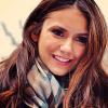11.02.12 Nina dans les rues de New York en train de signer des authographes