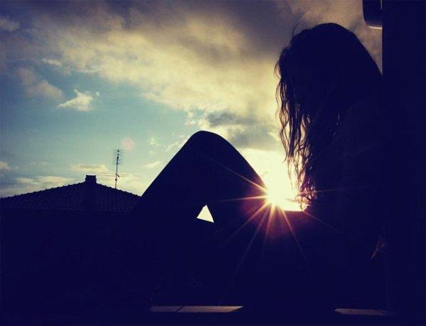 je peux t'aimer  mais dieu t'aime encore  plus  je  peux etre ton ami mais  dieu peux être ton meilleur ami  je peux essuyer t'es larmes  mais dieu peut les  sécher , je peux tenir ta main mais dieu  peut te porter .