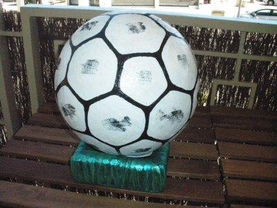 "urne ""ballon de foot"""