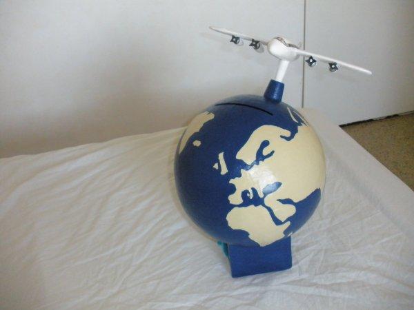 urne globe avion