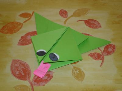origami la grenouille sauteuse activit s manuelles. Black Bedroom Furniture Sets. Home Design Ideas