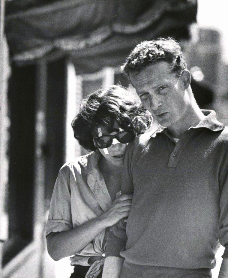 """Anne BANCROFT en 1959 sur le tournage du film """"The miracle worker"""" (Miracle en Alabama) d'Arthur PENN, film qui sortira en 1962, sous l'oeil de la photographe Nina LEEN."""