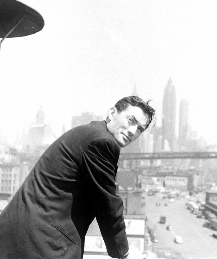 Mai 1947, Nina LEEN photographie Gregory PECK en Mai 1947 à New-York.