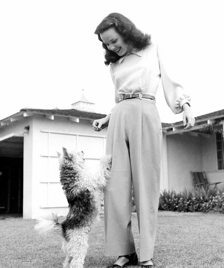 Wanda HENDRIX pose pour Allan GRANT en Octobre 1947.