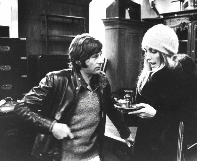 Sharon TATE et son mari Roman POLANSKI en visite à Londres photographiés par Bill RAY en 1968.