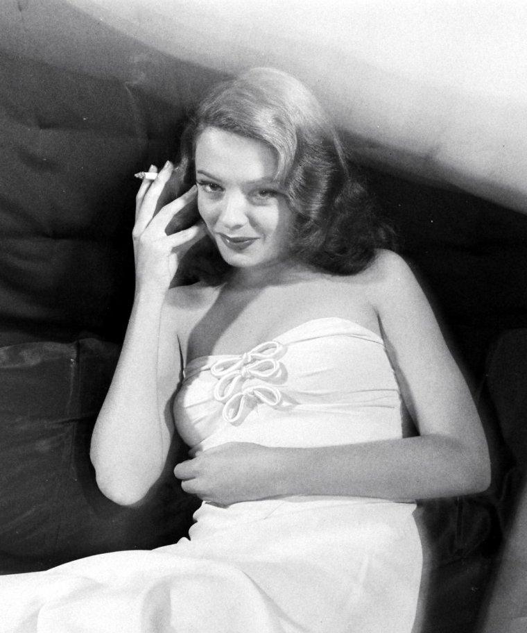 Jane GREER sous l'objectif de Peter STACKPOLE en 1947.